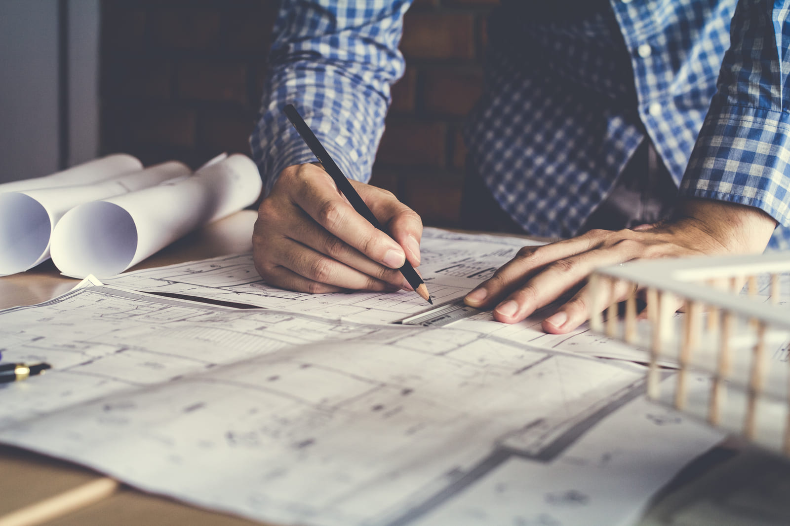 How to become a residential architect?
