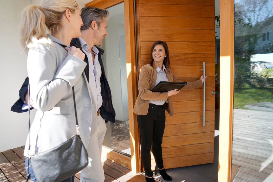 A real estate agent or appraiser's home inspection
